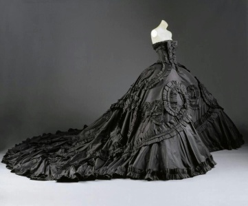 35d44af206b40413bfc8c8febe374216--vintage-dior-vintage-fashion